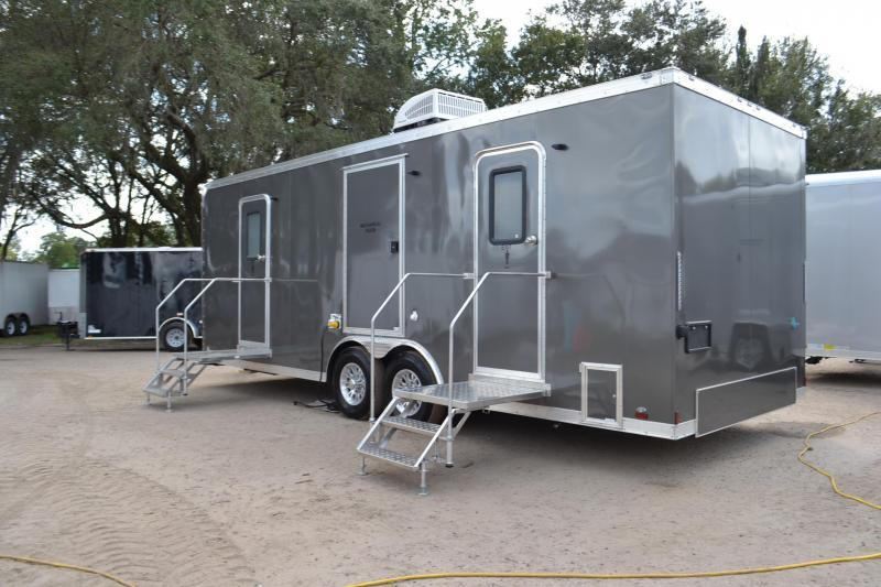 10 Station Restroom Trailer (Rental) in FL