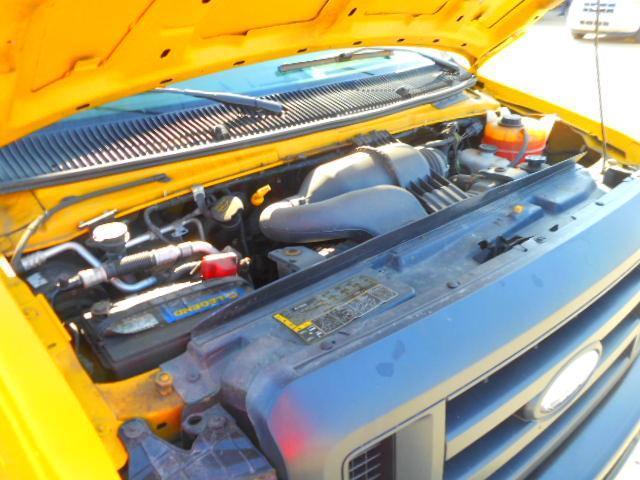 2014 Ford E-350 Superduty 15 FT Cube Van