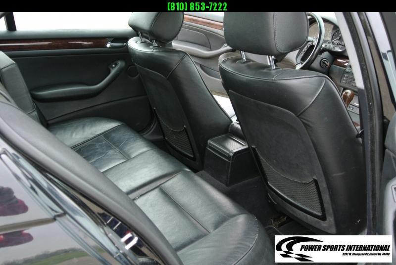 2005 BMW 325Xi 4 Door Sedan Black   Automatic #5705