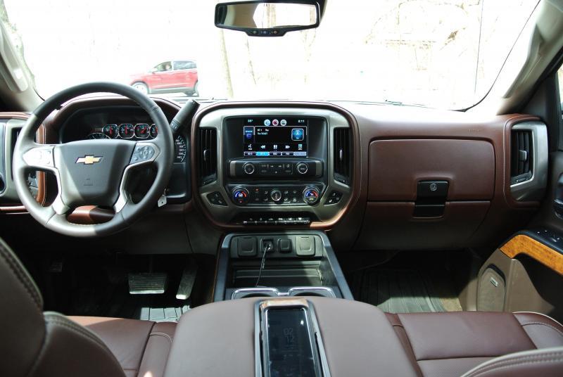 2015 Chevrolet Silverado 2500 HD High Counrty Duramax Diesel Crew Cab Truck