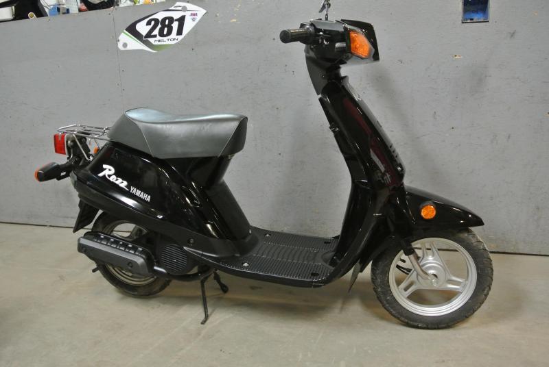 1993 Yamaha RAZZ 50cc Scooter.  Vintage Classic  100% Origial