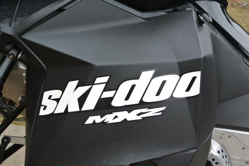2015 Ski-Doo MXZ 600cc Snowmobile with only 2000 total miles.