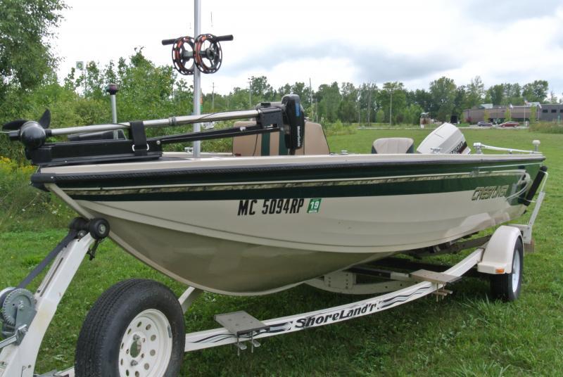 1998 Crestliner 1750 Walleye Fishing Boat