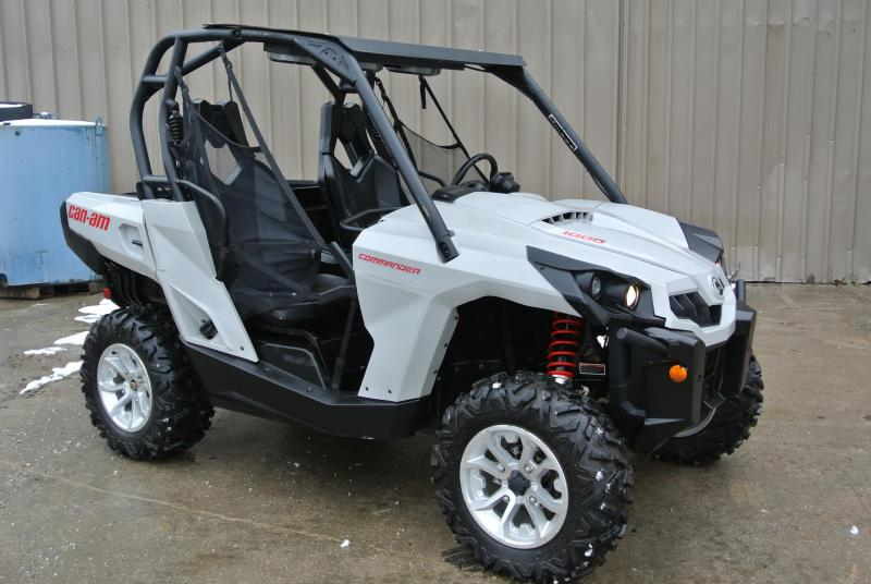 2017 CAN-AM COMMANDER 1000 DPS WHITE Sport Side-by-Side #0083