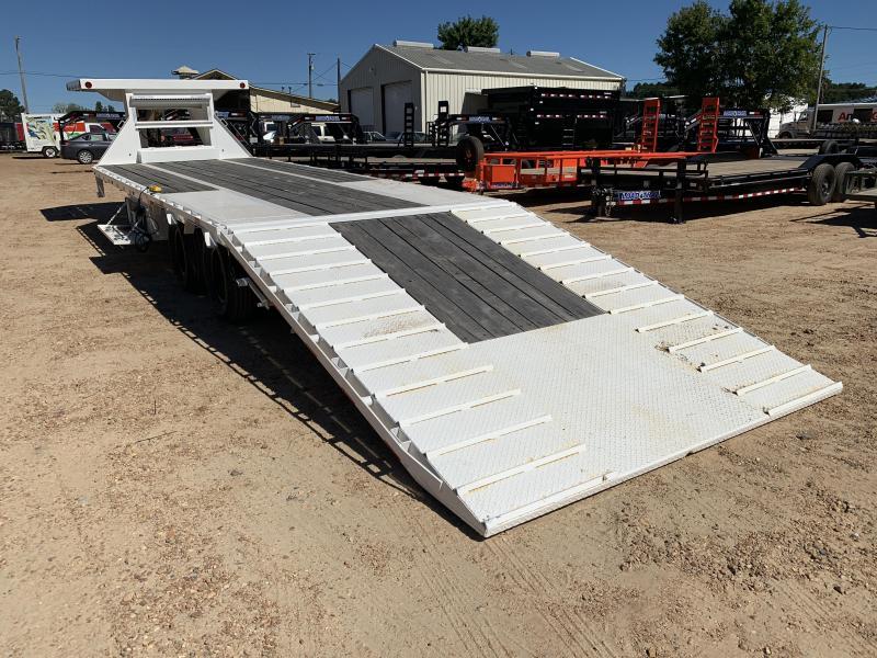 "2019 Load Trail 102"" x 32' Low-Pro Gooseneck w/ Hyd. Dove 24k GVWR"