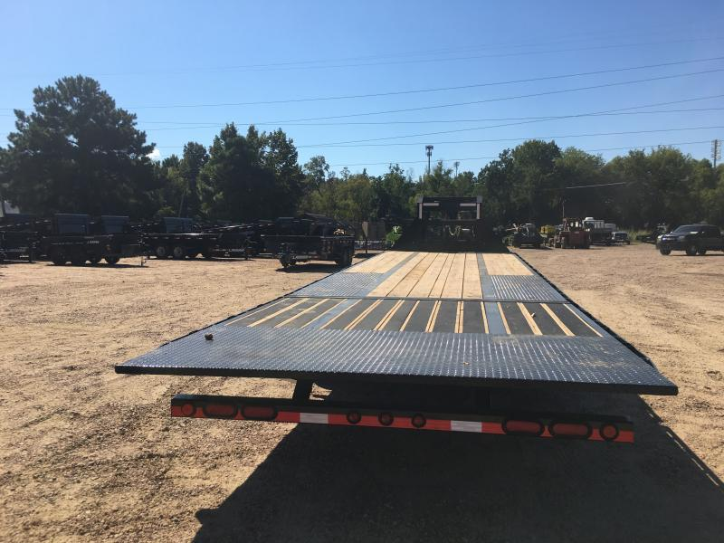 "2019 Load Trail 102"" x 32' Low-Pro Gooseneck w/ Hyd. Dove 24k GVWR"