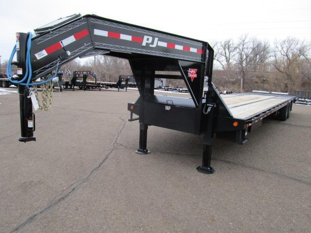 USED 2019 PJ Trailers 38' Low-Pro with Hydraulic Dove Trailer