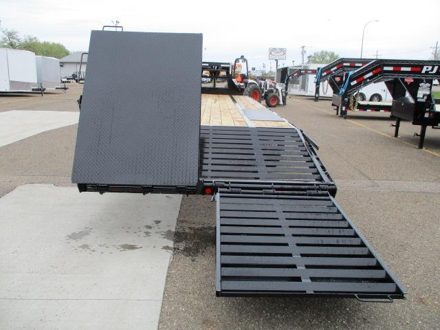 2020 PJ Trailers 32' Low-Pro Flatdeck with Duals Trailer