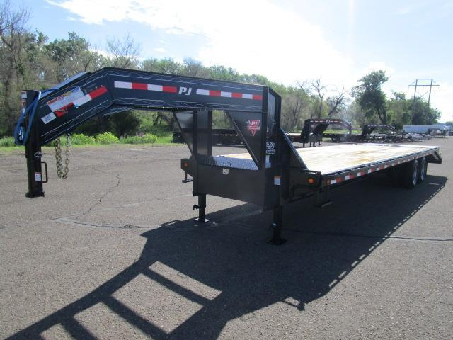 2019 PJ Trailers 32' Classic Flatdeck with Duals Trailer in ND