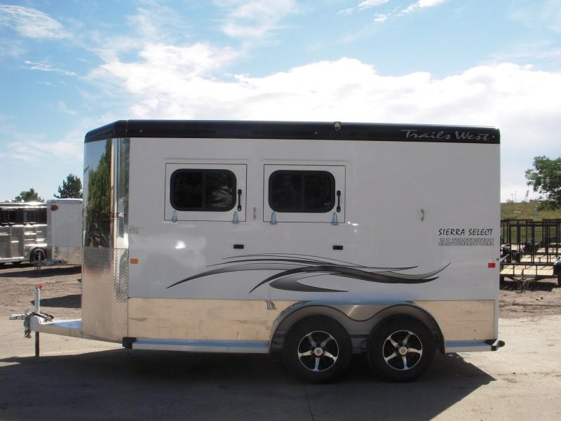 2017 Trails West Manufacturing SIERRA SELECT Horse Trailer