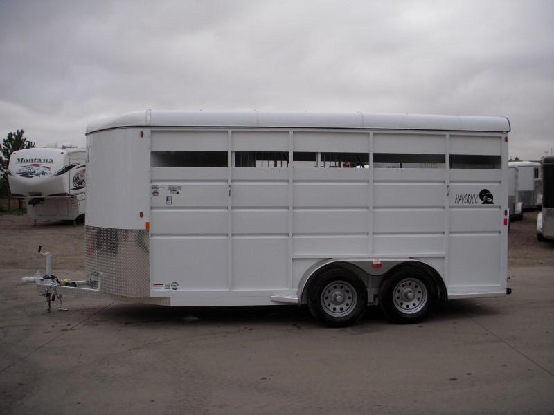 2019 Maverick MAV3HS-7K 17ft Horse Trailer