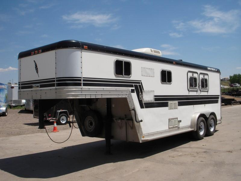 1989 CWCF FEATHERLITE 2HGNWKNDR Horse Trailer