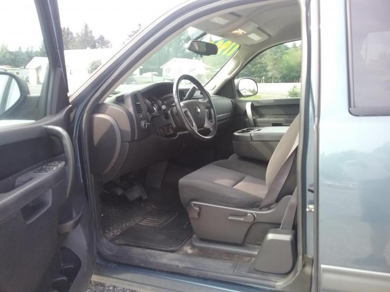 2011 Chevrolet Silverado 1500 4X4 Truck
