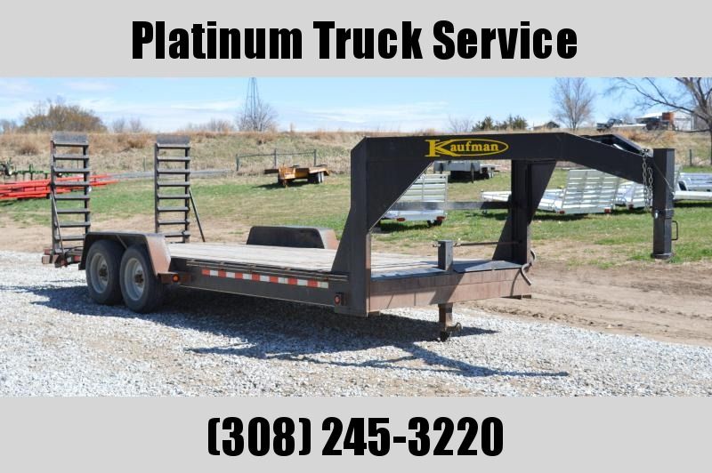 2012 Kaufman Trailers 20 Deluxe Equipment Trailer